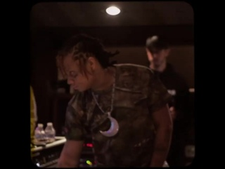 Snippet: KYLE — «Forget» (Feat. Trippie Redd, iann dior & The Drums)
