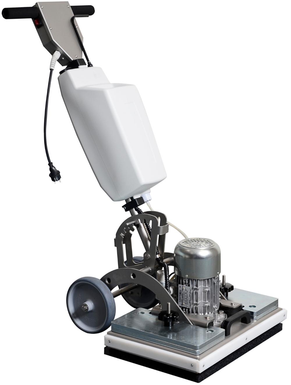 Альтернатива роторной машине — «Exctnter» от I-Team чистит за счёт вертикальных вибраций.