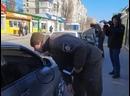 🚗🚘В МЕЛИТОПОЛЕ НАЧАЛАСЬ ОХОТА НА ГЕНИЕВ ПАРКОВКИИспекторы начали с ул.Героев Украины. Пара минут - и уже несколько предпис