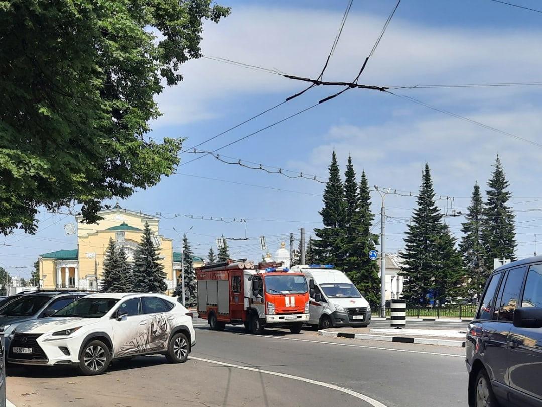 В Ярославле массово эвакуировали торговые центры