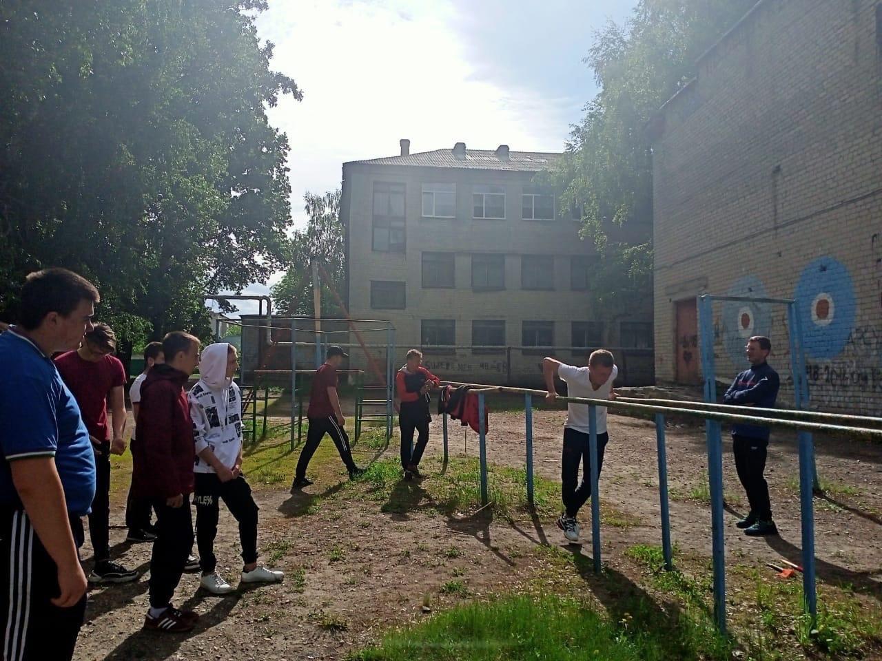 В Петровске завершились военные сборы для студентов и старшеклассников