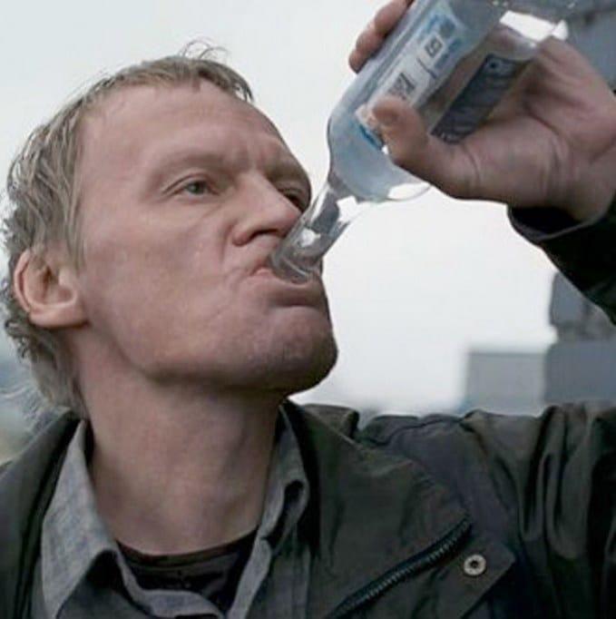 Россиянам предложили ограничить продажу алкоголя - не более 5 литров в год на человека