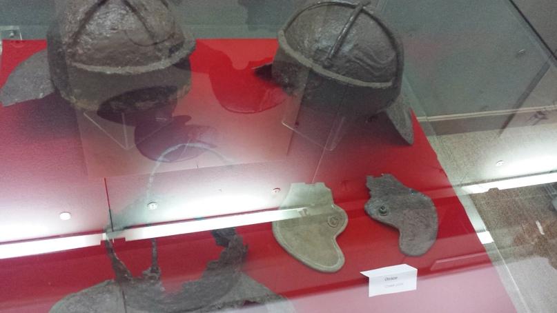 Римские пехотные шлема имперско гальского типа Дакийские войны императора Траяна. Музей Апулума. Румыния