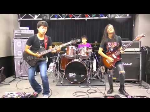 ASTERISM plays 「 KILL BILL Theme ( BATTLE WITHOUT HONOR OR HUMANITY ) TOMOYASU HOTEI」