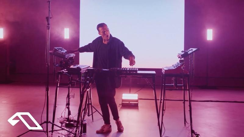 Ben Böhmer feat JONAH Home Live from the König Galerie Berlin