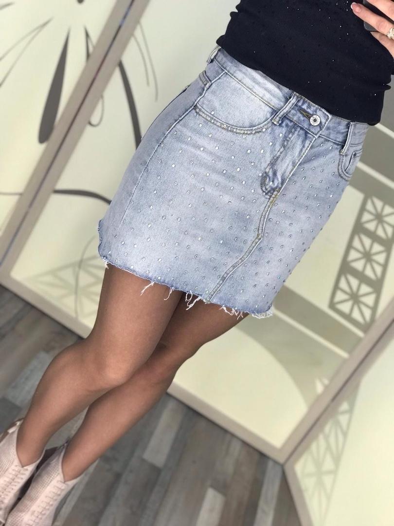 ноги в джинсовой юбке - 9