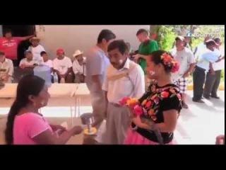 Мэр мексиканского города женился на крокодиле, чтобы помочь рыбакам